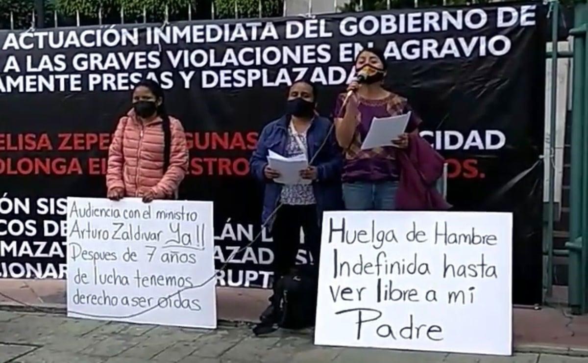 Se declara en huelga de hambre hija de hombre preso por asesinato de hermano de diputada de Oaxaca