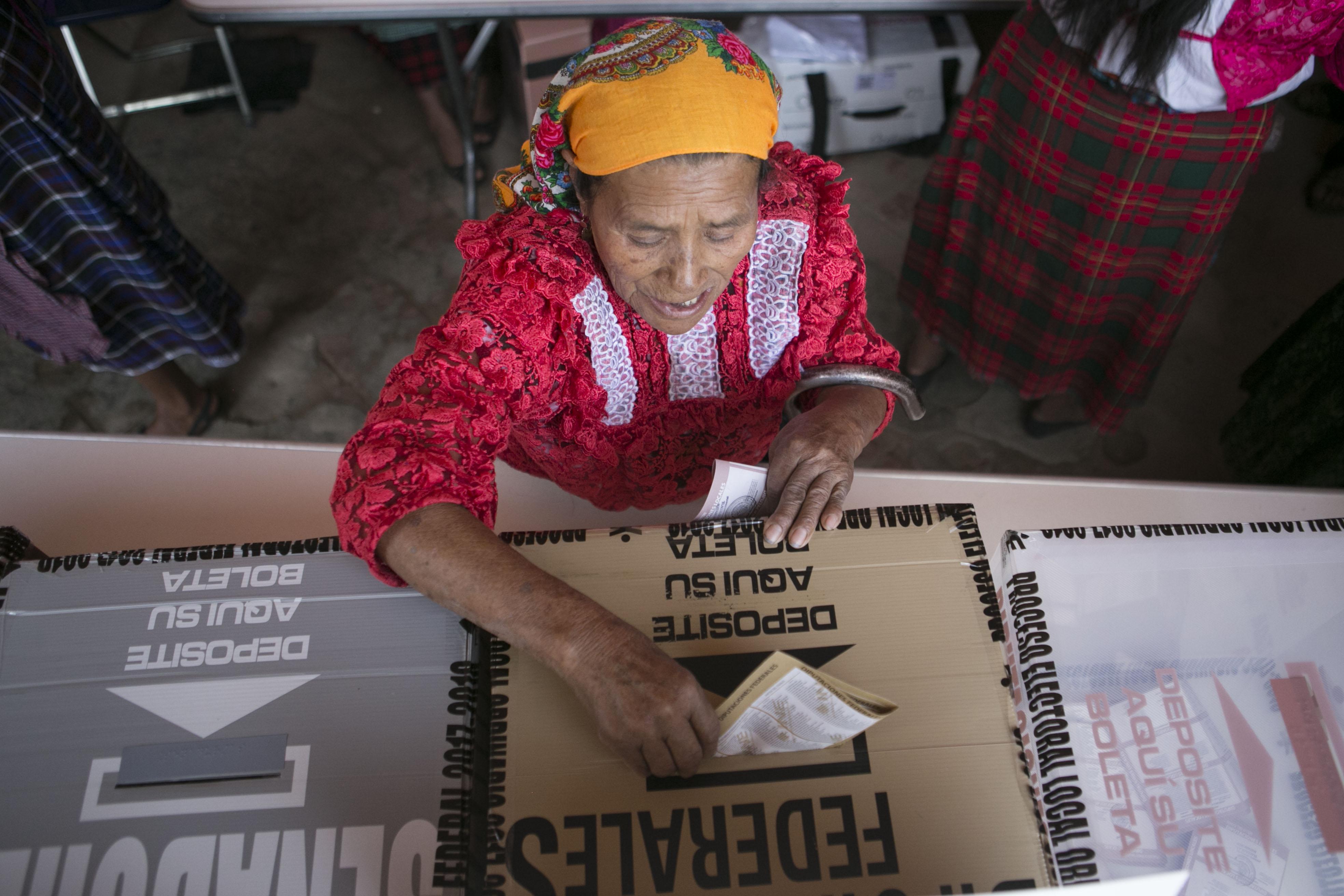 Llaman a mujeres de Oaxaca a ejercer el derecho al voto, para afianzar su participación políticos