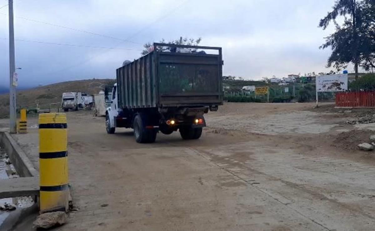 Reanudan servicio de recolección de basura en la capital de Oaxaca, tras liberación de basurero