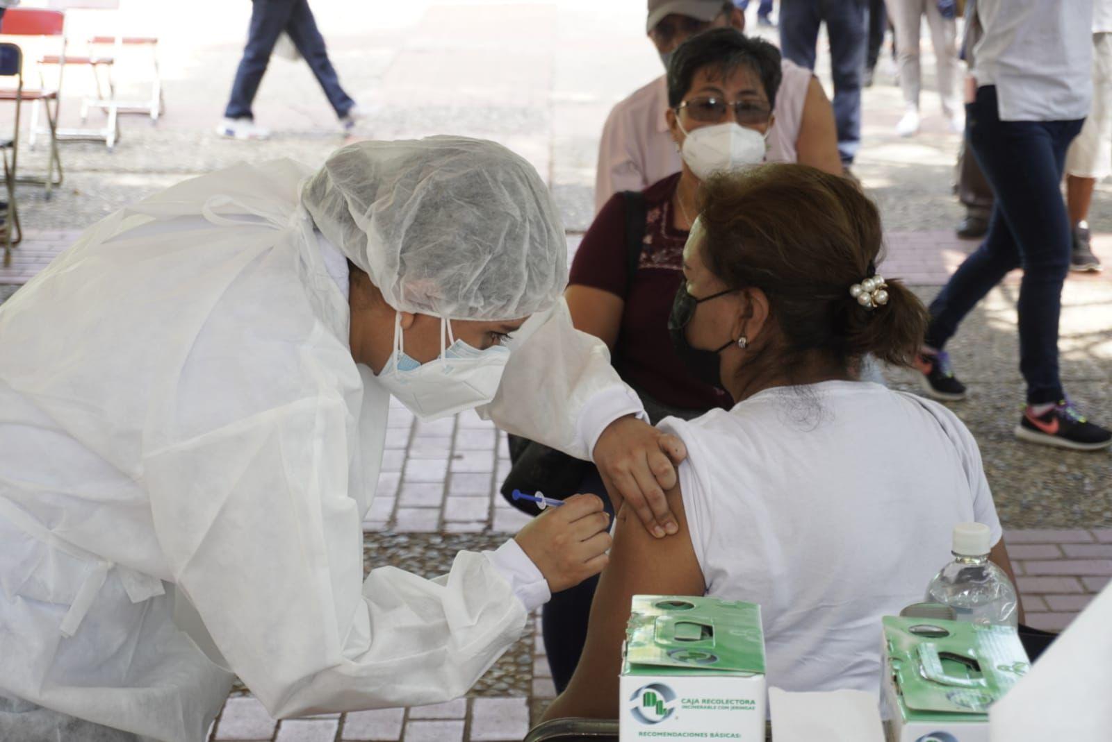 Descartan Servicios de Salud de Oaxaca riesgo en vacunas CanSino resguardadas en el Istmo