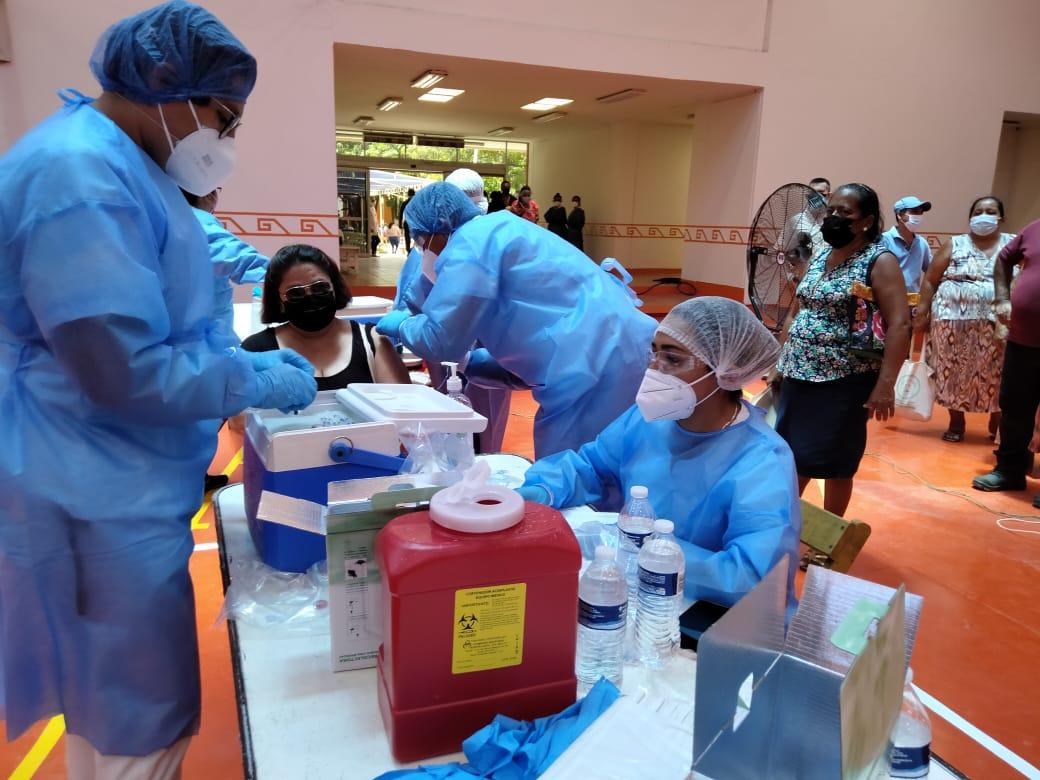 SSO reporta cerca de un millón de vacunas aplicadas en Oaxaca; contagios bajaron