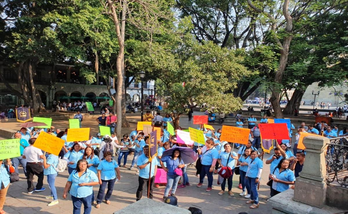 Trabajadores del Poder Judicial de Oaxaca exigen la aplicación de prestaciones laborales