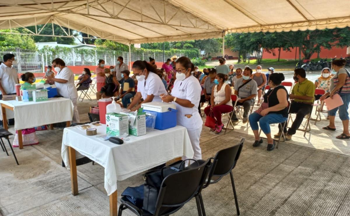 Arranca vacunación anti-Covid19 en Oaxaca para personas de 40 a 49 años en Cañada, Costa, Mixteca y Pinotepa