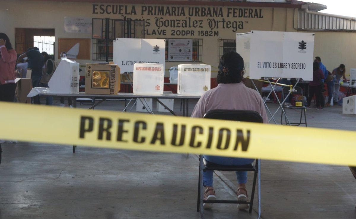 Roban y queman boletas electorales en Santiago Ayuquililla, Oaxaca; suspende elecciones