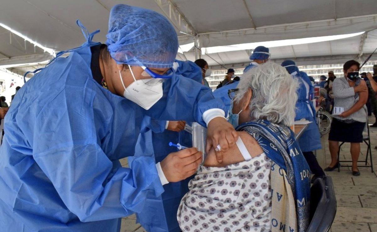 Disminuyen casos positivos de Covid-19 en Oaxaca; más de un millón de personas han sido vacunadas