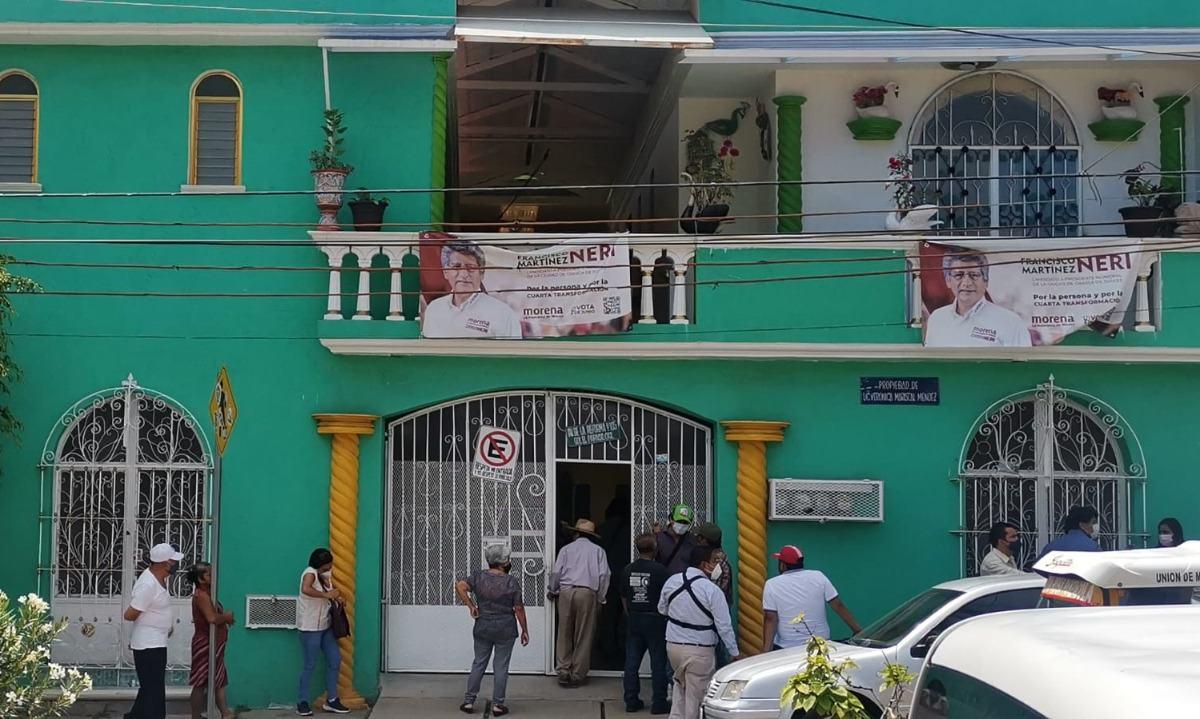Irrumpen en casa de campaña de Francisco Neri, candidato a edil de Oaxaca capital; hay 2 lesionados