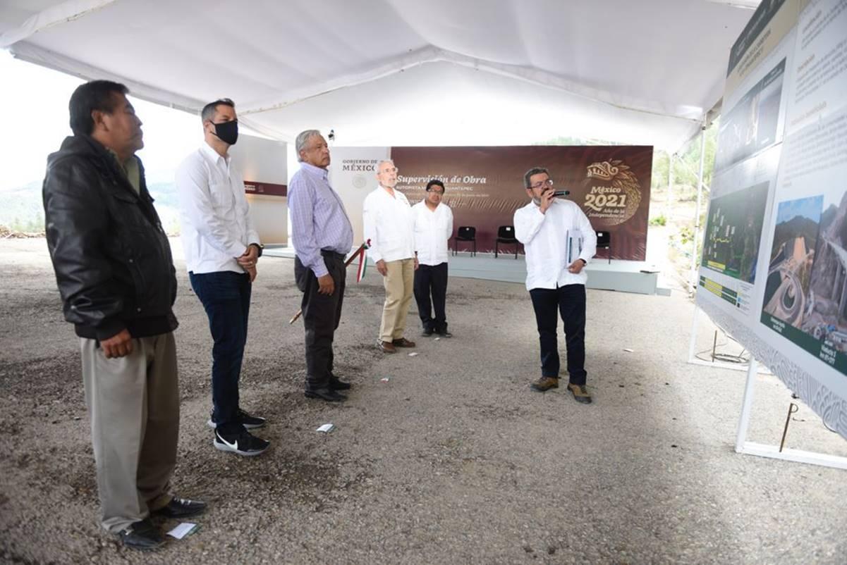México es un ejemplo de cómo gobernar en democracia, dice AMLO en gira por Tepuxtepec, Oaxaca