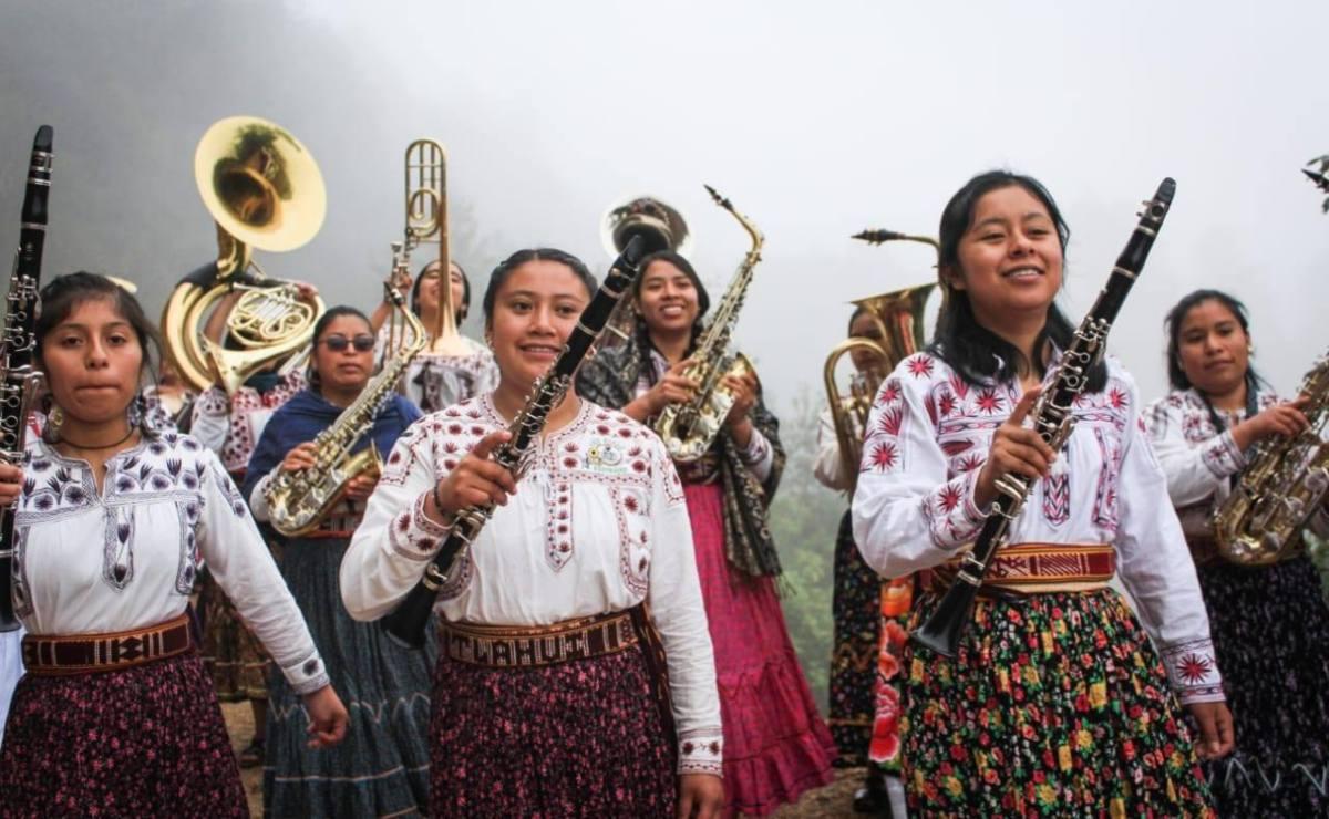 Música sin género ni fronteras: la Banda Mujeres del Viento Florido surca cielos internacionales