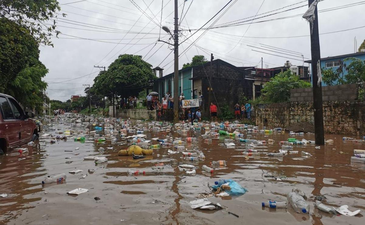 Río Los Perros inunda zonas bajas de Juchitán; 33 comunidades de la Sierra Mixe-Zapoteca están incomunicadas