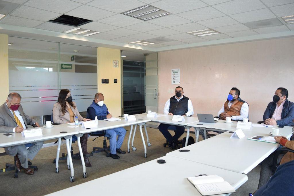 Capacitan a funcionarios de Segego en combate a la corrupción; se instruirá a municipios