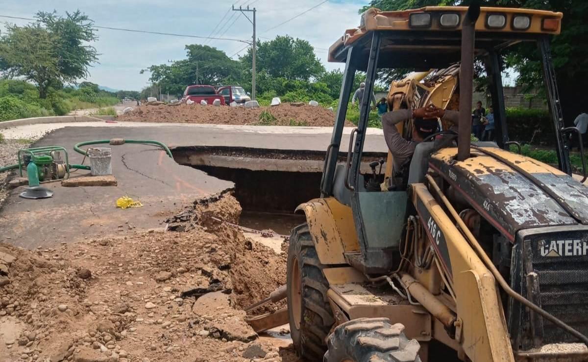 Lluvias desnudan ejecución de obra de drenaje en Juchitán; costó 22 mdp y se convirtió en un socavón