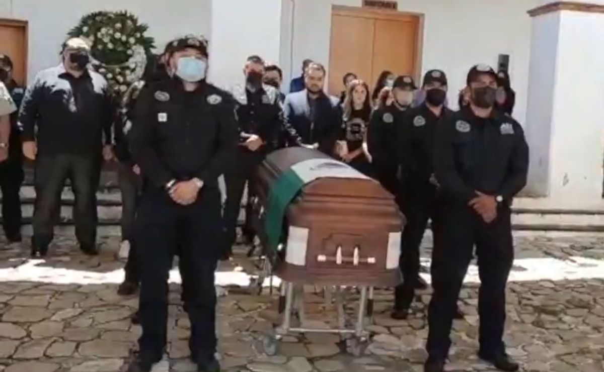 Rinden homenaje de cuerpo presente a Omar Chepleta, director de Investigaciones asesinado en Oaxaca