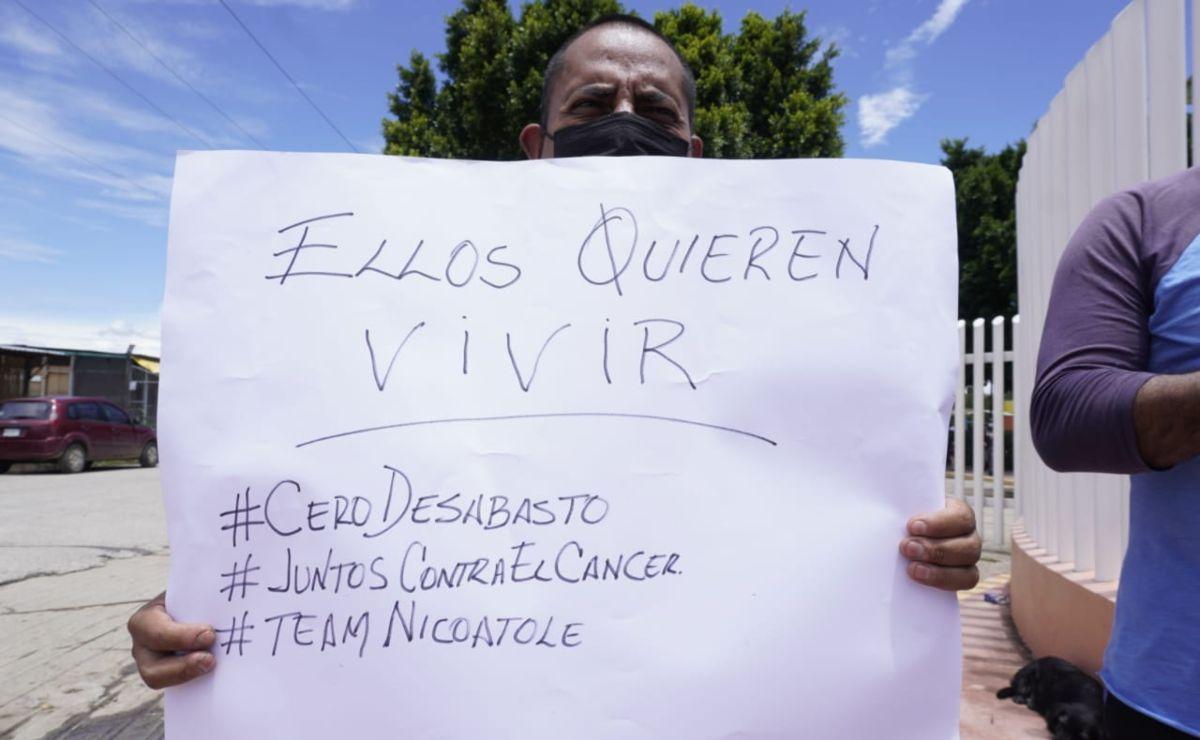Familiares de niños con cáncer en Oaxaca protestan por falta de medicamentos; exigen abasto seguro