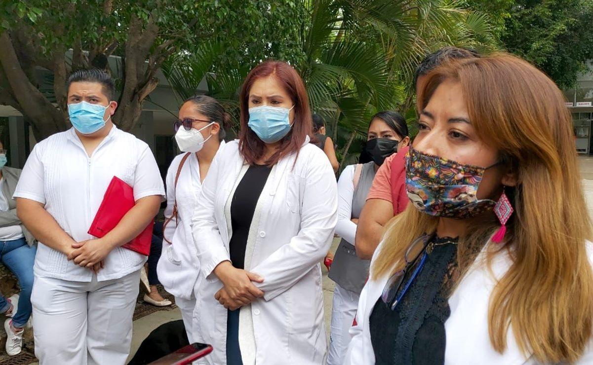 Denuncian despido de 125 trabajadores de la primera línea de atención Covid en el ISSSTE de Oaxaca