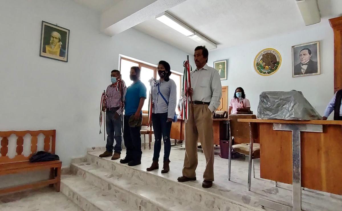 Toman protesta autoridades de 30 municipios de Oaxaca que se rigen por Sistemas Normativos Indígenas