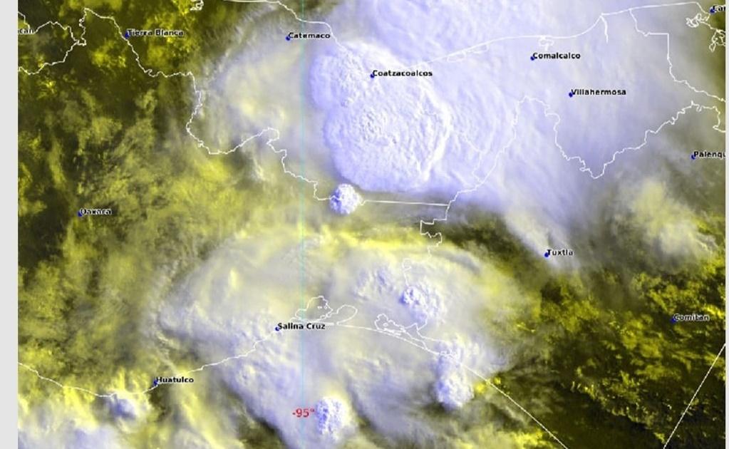 Advierte Protección Civil lluvias de moderadas a fuertes en cinco regiones de Oaxaca por onda tropical 7