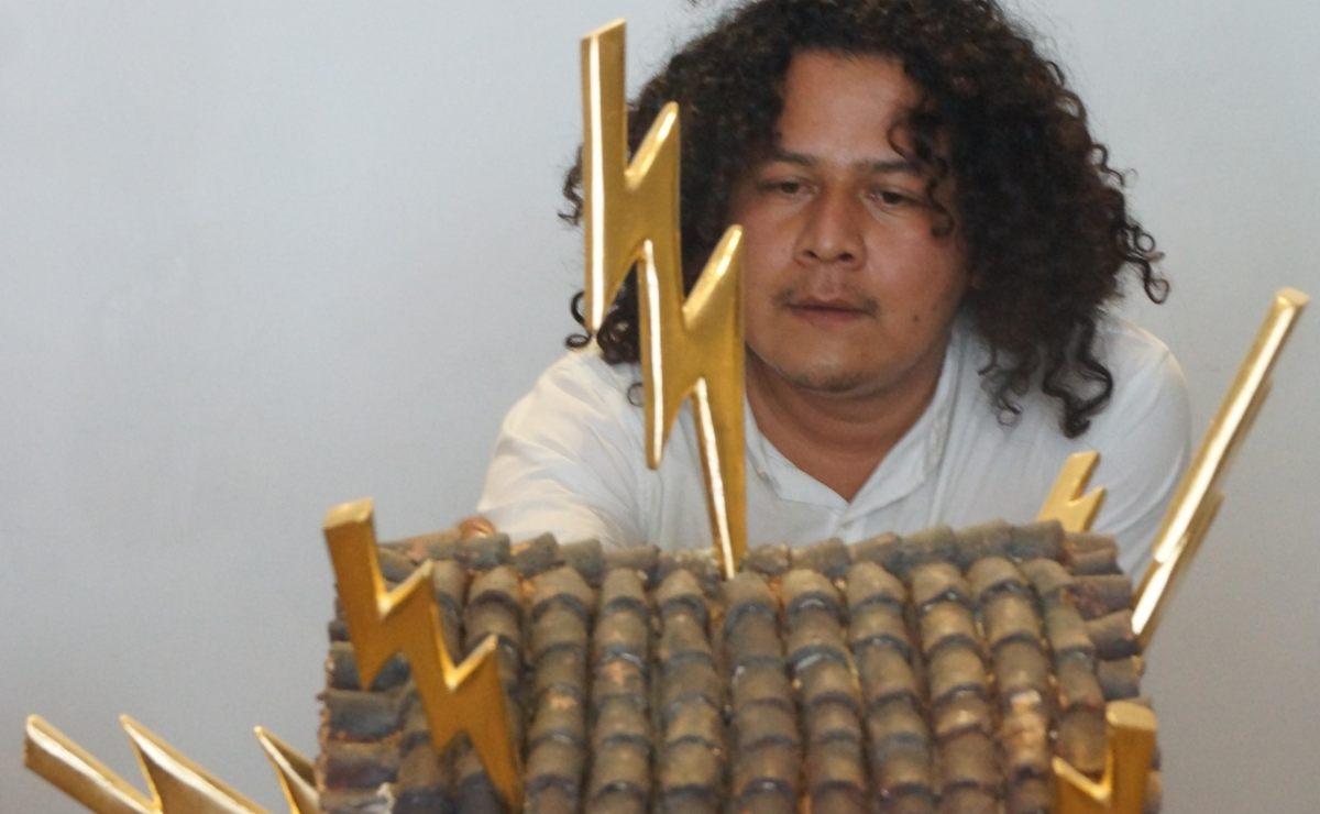 La casa, el cielo y la serpiente: cosmovisión zapoteca en la obra del oaxaqueño José Santiago