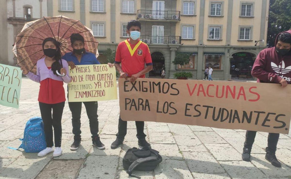 Federación Nacional de Estudiantes Revolucionarios exigen en Oaxaca vacunación antiCovid-19 a alumnos de todo el país