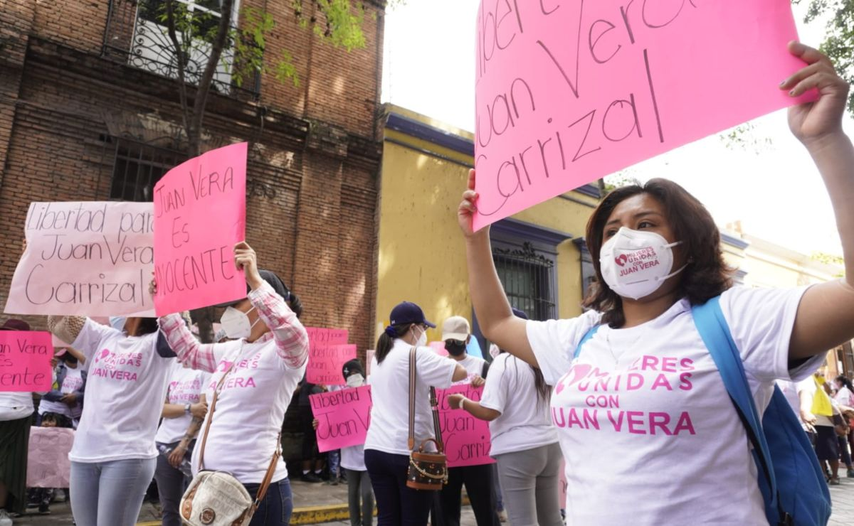 Mujeres exigen liberación de Vera Carrizal, señalado por ordenar ataque con ácido a María Elena Ríos