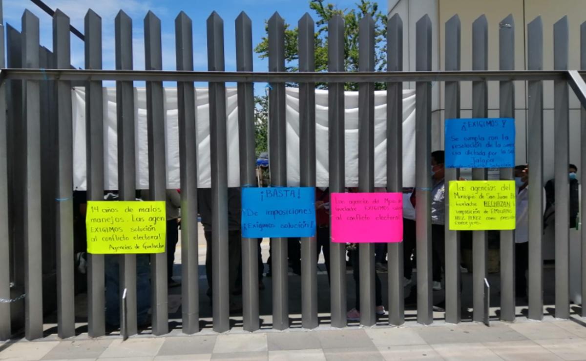 Habitantes de Guelache exigen elecciones tras 13 años de conflicto político; toman acceso al Congreso de Oaxaca
