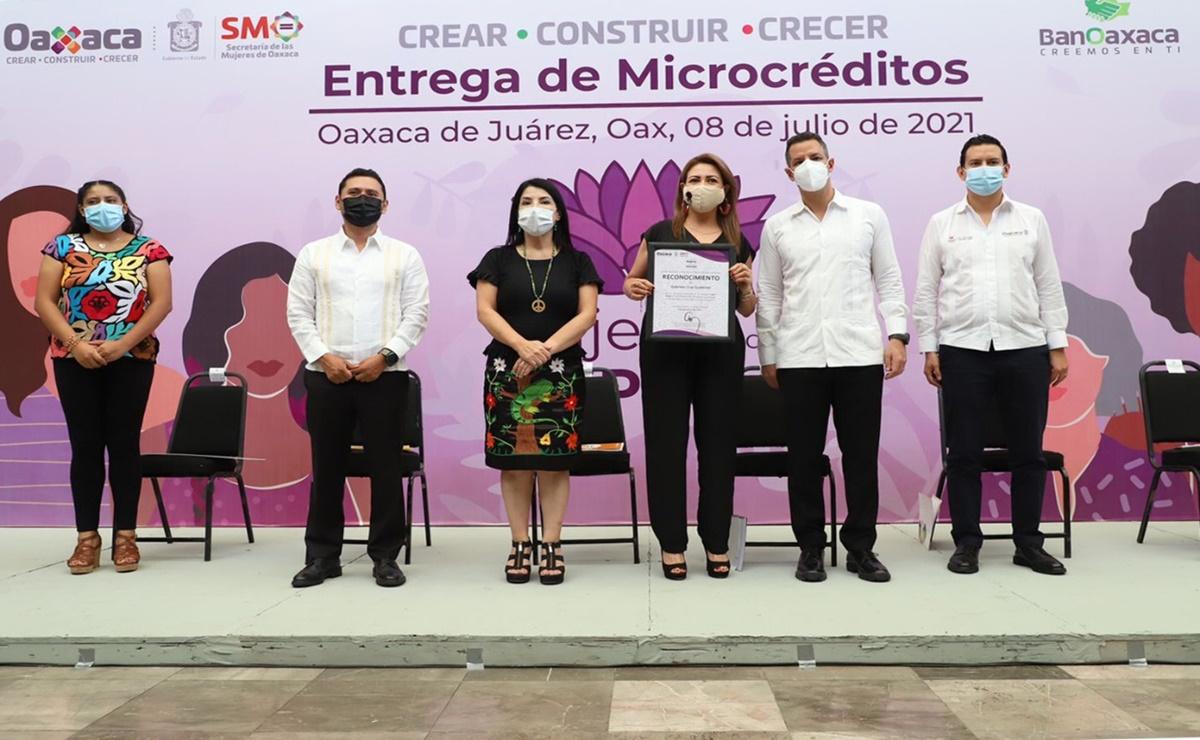 Entrega gobierno de Oaxaca 100 créditos a mujeres víctimas de violencia de género