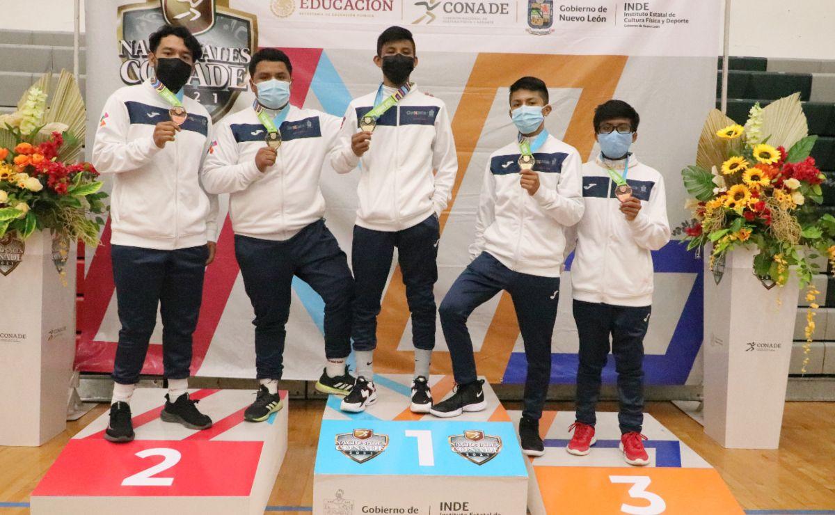 Luchadores oaxaqueños se llevan el medallero con 3 oros y 2 bronces en Juegos Nacionales Conade