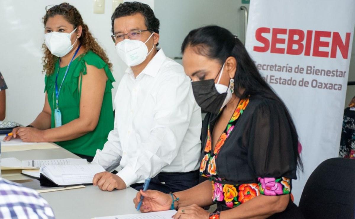 Entrega Sebien casi 10 mdp a personas defraudadas por cajas de ahorro en Oaxaca