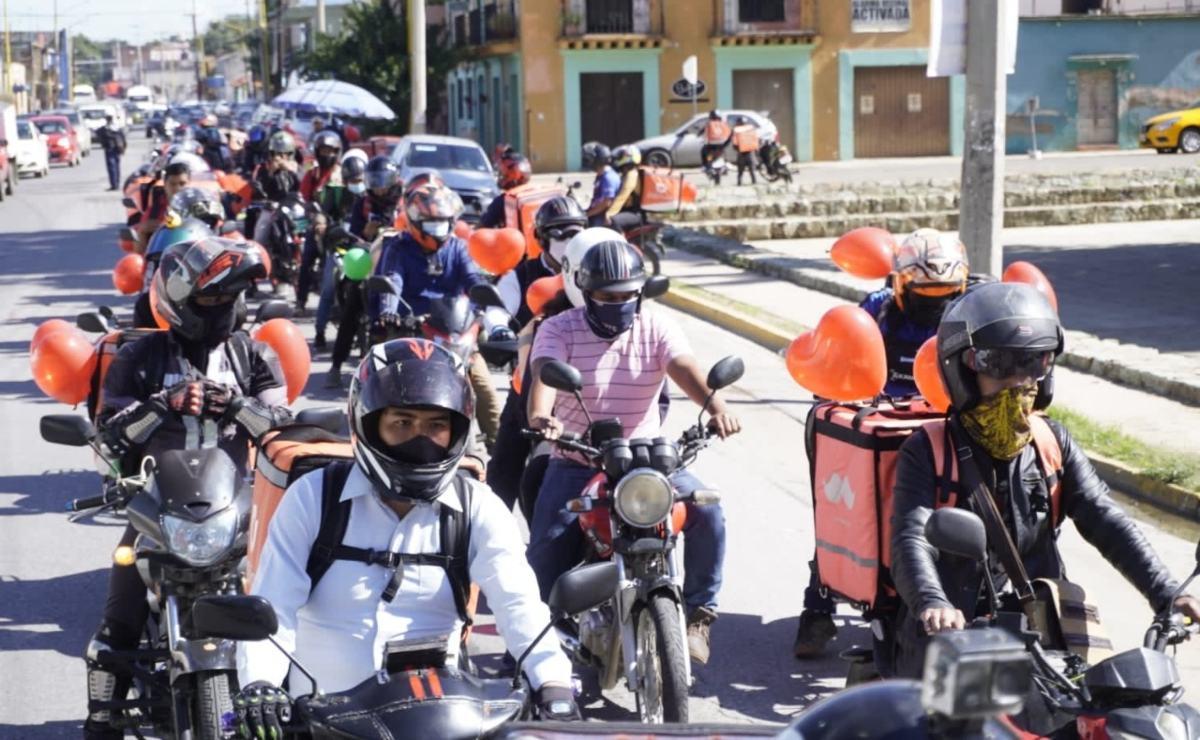 Sin derechos ni seguro, así llevan tu comida 750 repartidores de apps en Oaxaca
