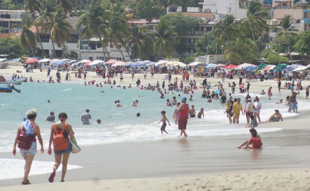 Colotepec endurece medidas por aumento de Covid-19; playas de Puerto Escondido siguen abiertas al turismo