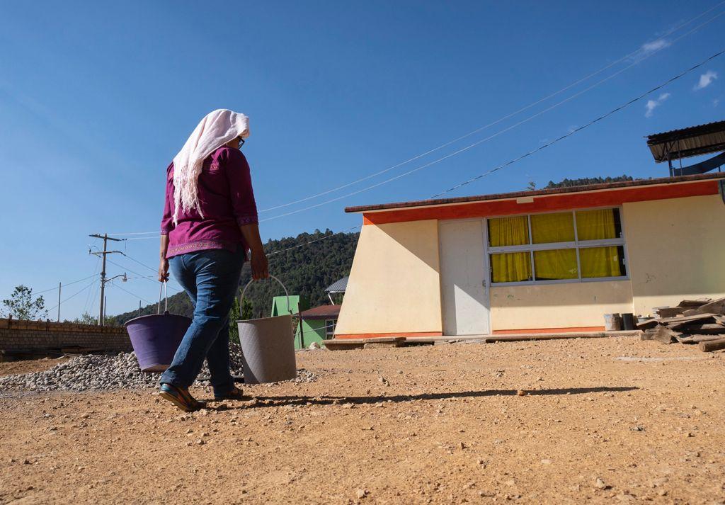 Celebra ONU sentencia para reconectar a Ayutla Mixe a su manantial, tras más de 4 años sin agua
