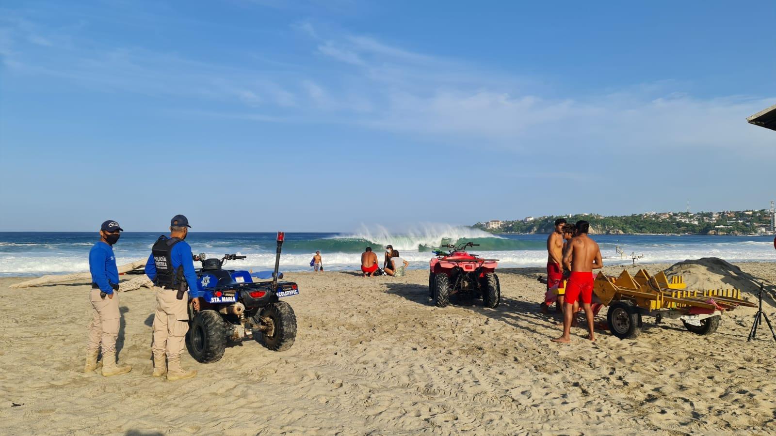 Muere surfista español en playa Zicatela, en Puerto Escondido; se mantiene bandera roja por mar de fondo