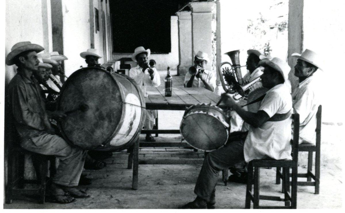 Recupera la UNAM un centenar de obras musicales antiguas de Santa Catarina Minas, Oaxaca