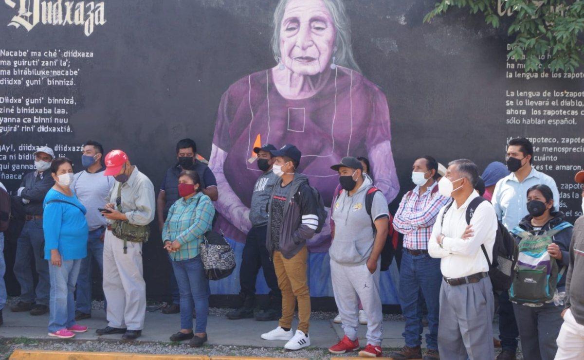 """Por Covid-19, suspenden en Oaxaca actividades de bares; reuniones familiares, """"sólo con sana distancia"""""""