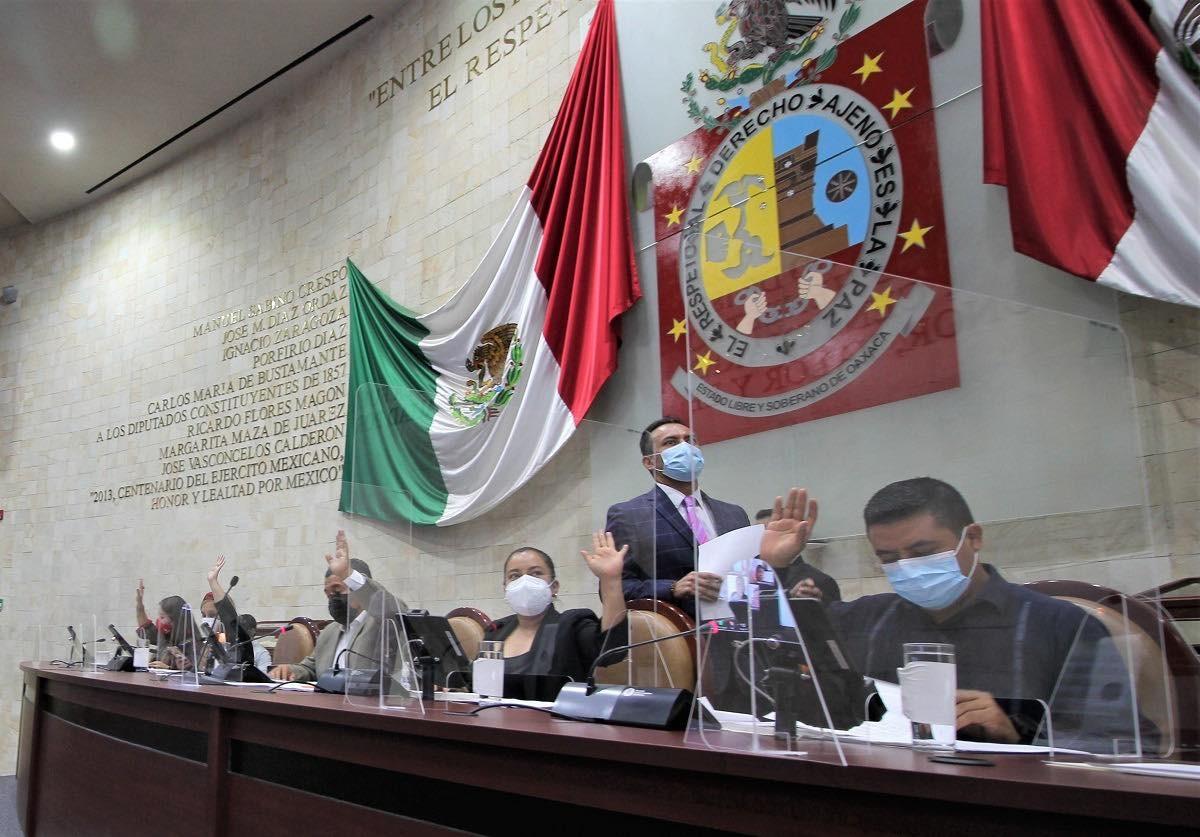 Por Covid-19, Congreso de Oaxaca exhorta a Murat y a los 570 municipios a evitar reuniones masivas