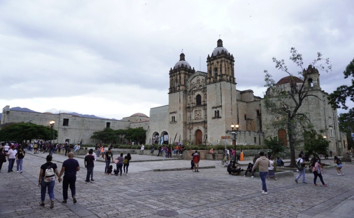 Tras récord de casos activos de Covid, Gobierno de Oaxaca pide a los 570 municipios cancelar eventos públicos