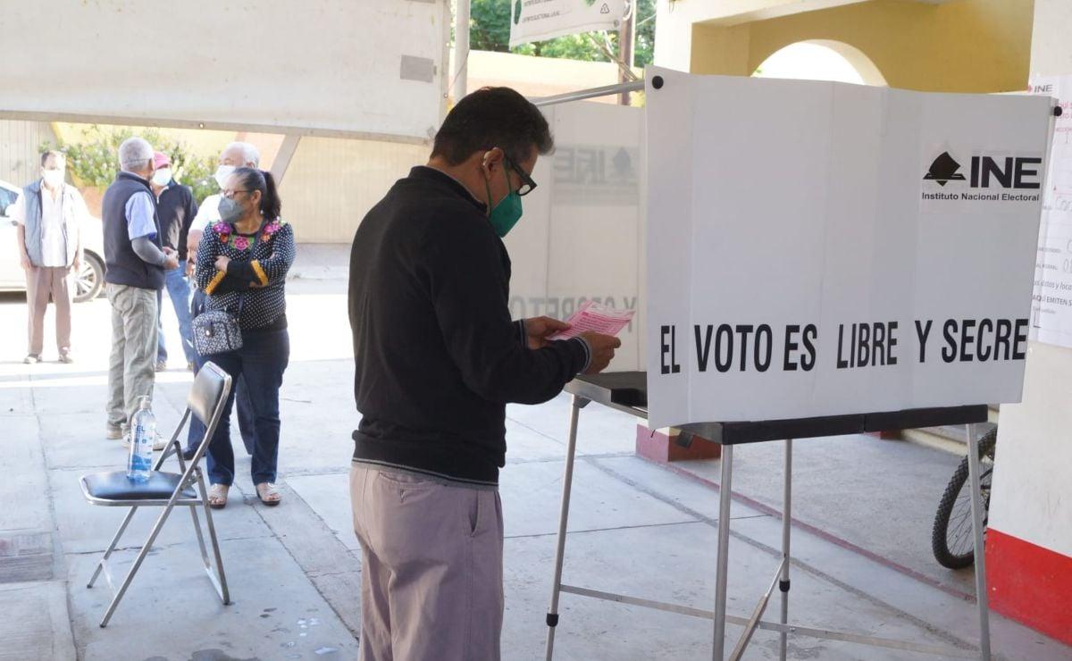 Con 30% de mesas instaladas, arranca Consulta Popular sobre juicio a expresidentes en Oaxaca