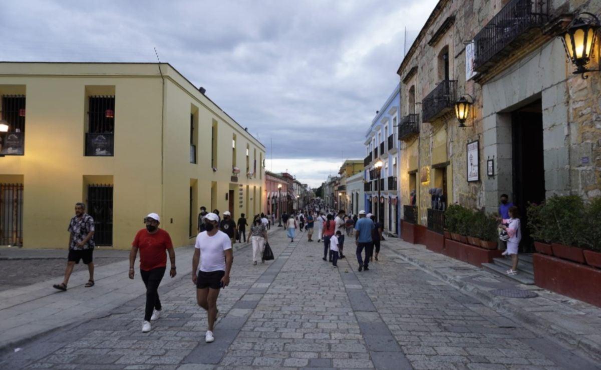 Antros cerrados y aforos máximos de 40% en ciudad de Oaxaca por Covid, determina el municipio