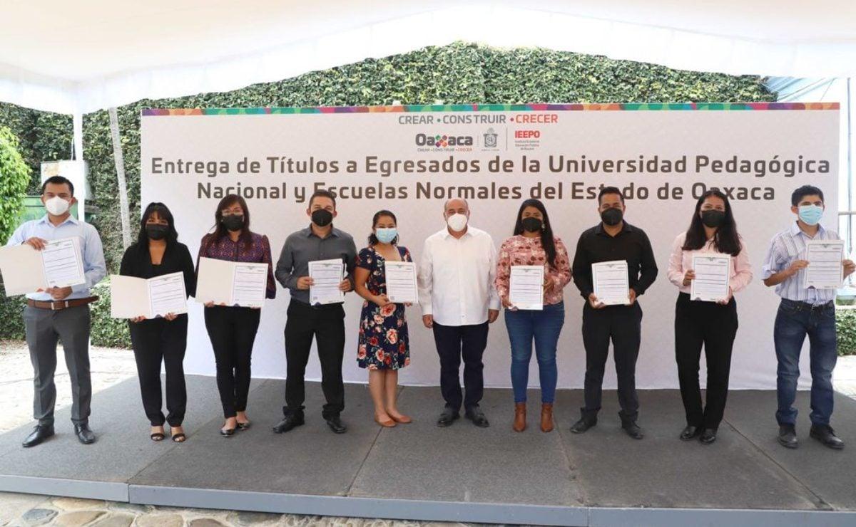 Oaxaca se convierte en la primera entidad del país en entregar Títulos Profesionales Electrónicos a egresados de normales