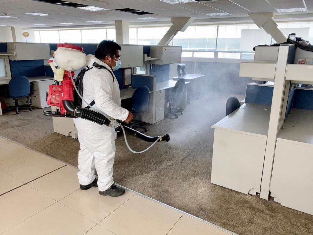 Ante casos de Covid-19 entre trabajadores, Segego limita aforo de reuniones y sanea edificios