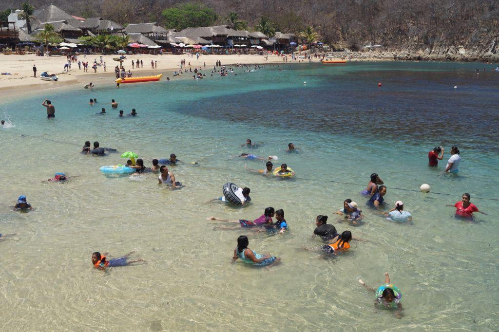Hoteleros y empresarios rechazan cierre de playas y suspensión de turismo en Huatulco