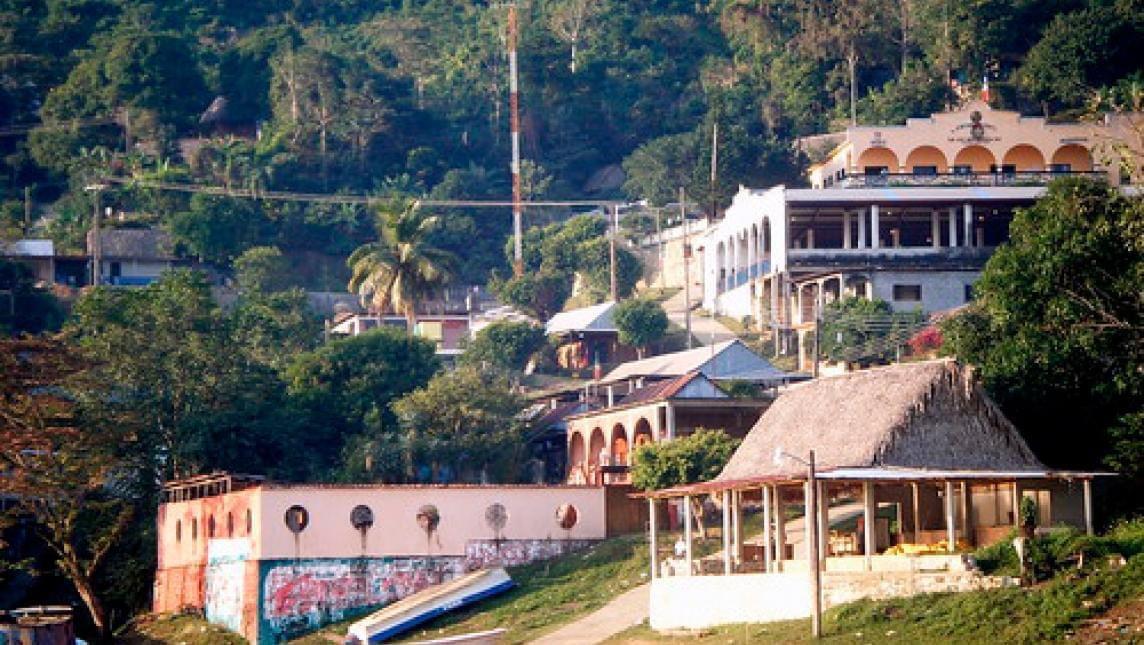 Localizan en Veracruz cuerpos de 2 jóvenes de Oaxaca; uno es hijo de la edil de San José Independencia