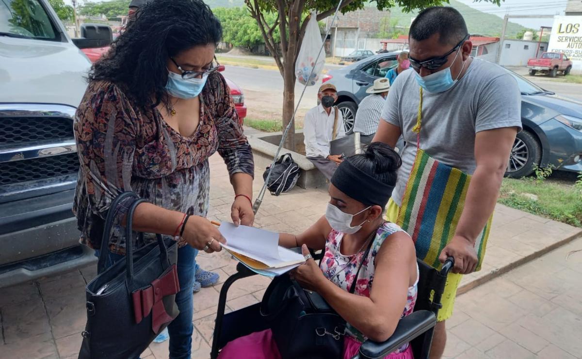 Artesana que perdió una pierna tras ser atropellada, interpone queja ante DDHPO, contra MP y policías de Ixtepec