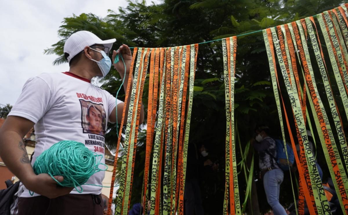 """Sabuesos Guerreras Oaxaca cuelgan listones en """"Árbol de la Esperanza"""" para recordar a desaparecidos"""
