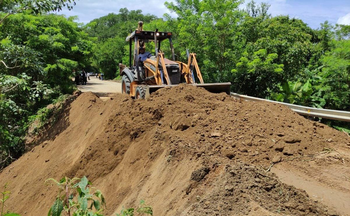 Lluvias han dejado afectaciones y derrumbes en carreteras de 5 de las 8 regiones de Oaxaca: CAO