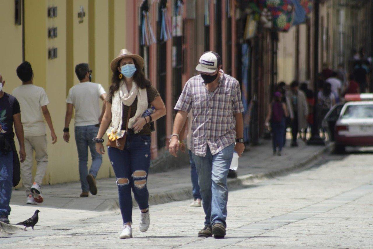 Registran 613 nuevos casos de Covid en Oaxaca en últimas 24 horas; hay 15 hospitales saturados