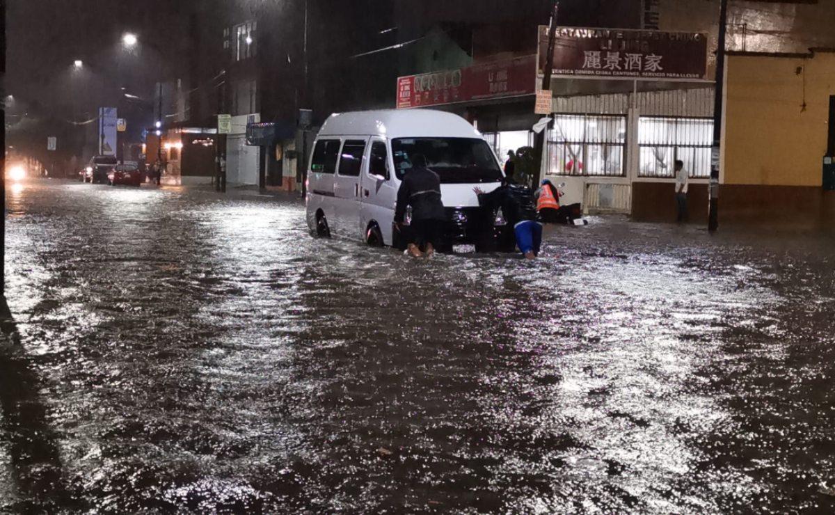 Continuarán lluvias intensas, ráfagas de viento y actividad eléctrica en Oaxaca por onda tropical 27