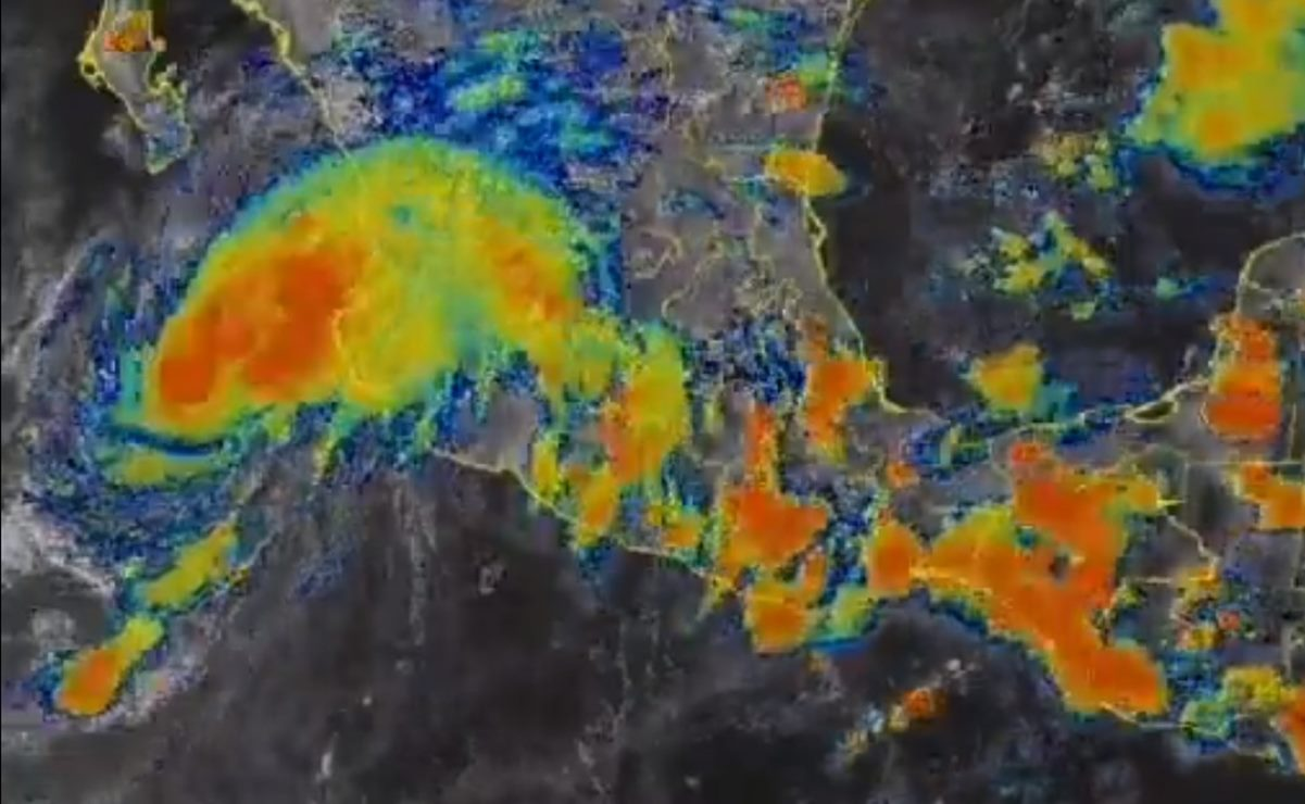 Pide Murat a población de Oaxaca no salir a la calle por lluvias intensas; activan Plan de Auxilio