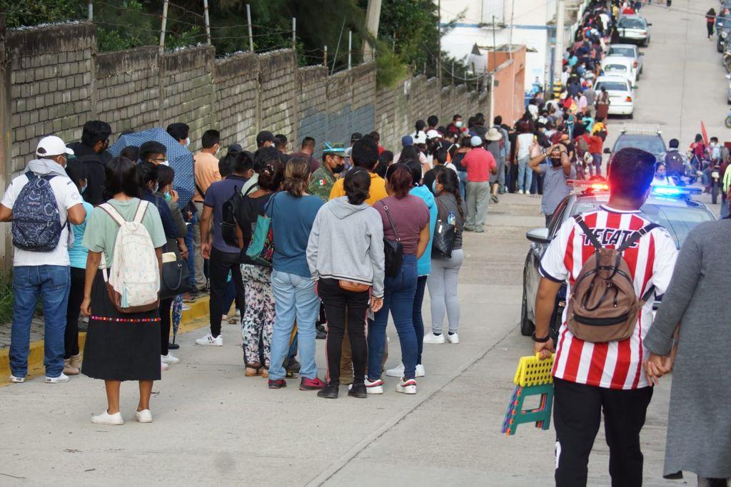 Responden más de 20 mil a vacunación emergente contra Covid-19 en Oaxaca; 3 mil se quedan sin dosis