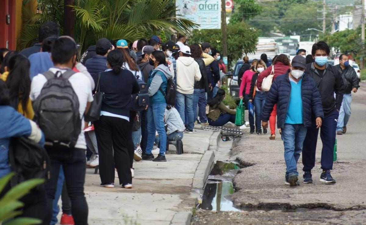 Responden miles a llamado para vacunación emergente contra Covid-19 en la ciudad de Oaxaca