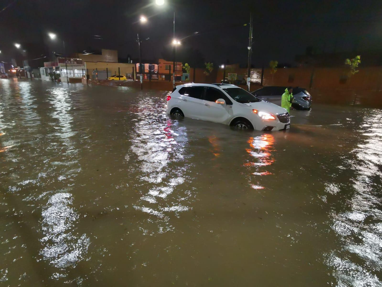 Alertan fuertes lluvias en 3 regiones de Oaxaca por zona de baja presión con 60% de potencial ciclónico